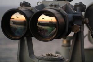 binoculars-67535_1280